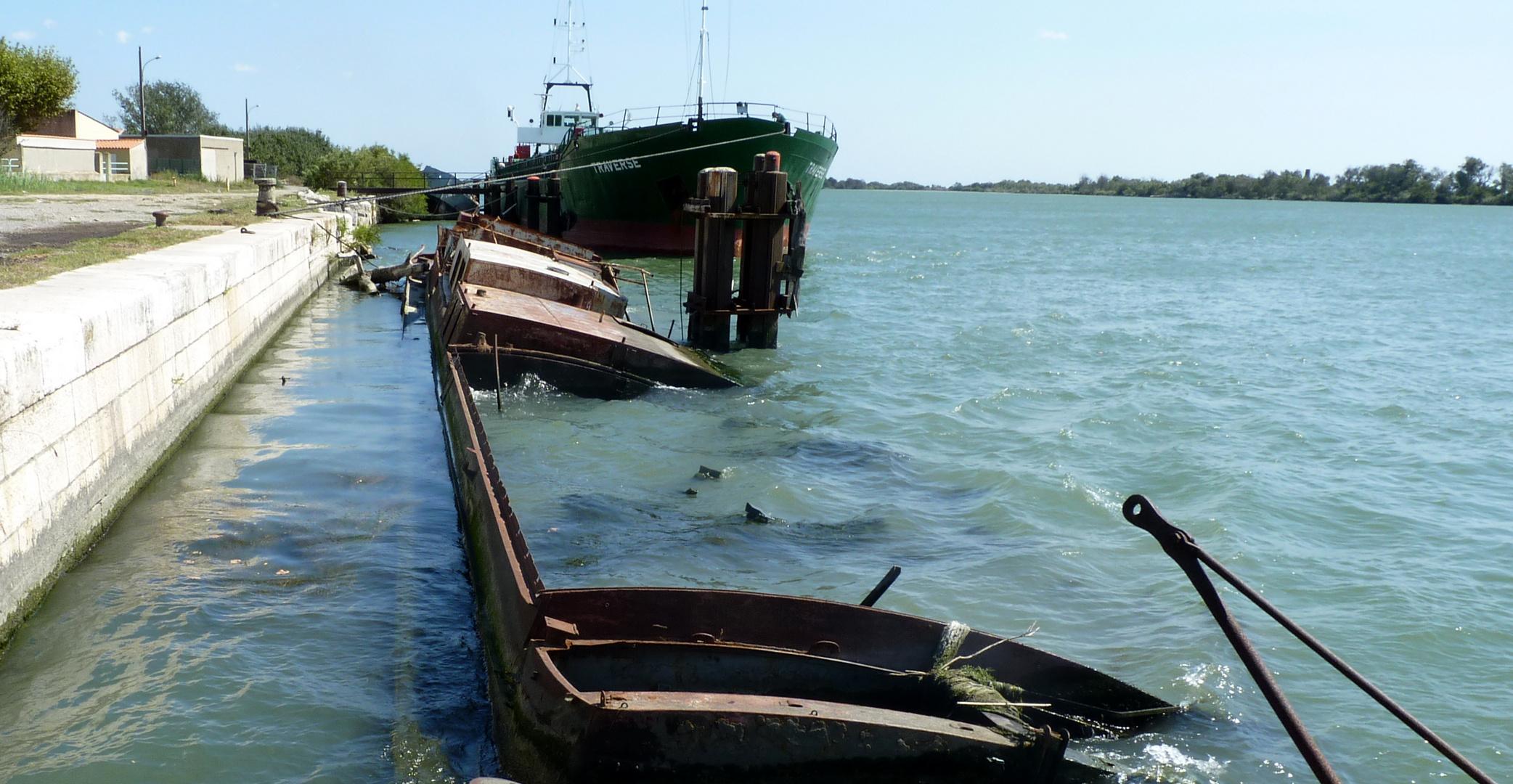 Cimetière des navires / Cementerio de barcos / Schiffsfriedhof...03