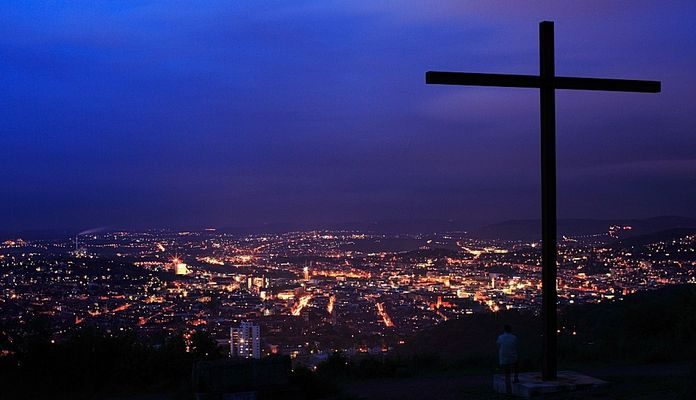 City & Cross