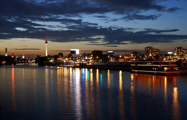 City von Berlin bei Nacht