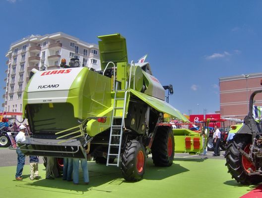 CLAAS TUCANO 340 IN THE AGRITHRACE 2008-2
