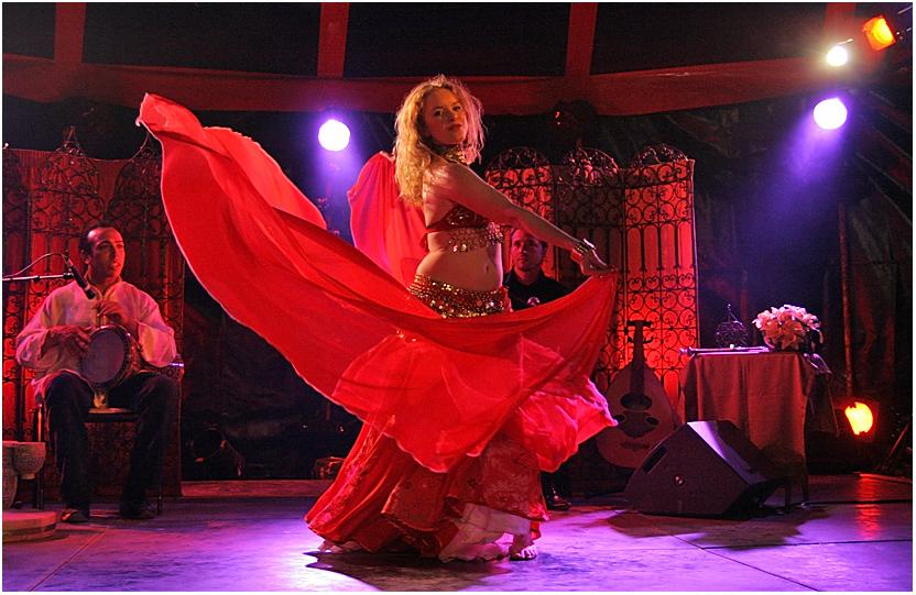 Claire, danseuse orientale