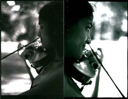 Clarisse dans le parc avec le violon 9