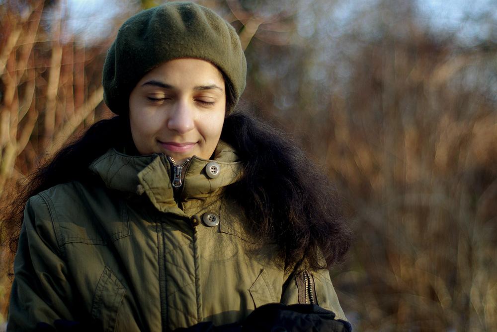 Clarisse dans le parc plein de neige 3