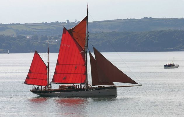 Classic Red Sails in Torbay 2005