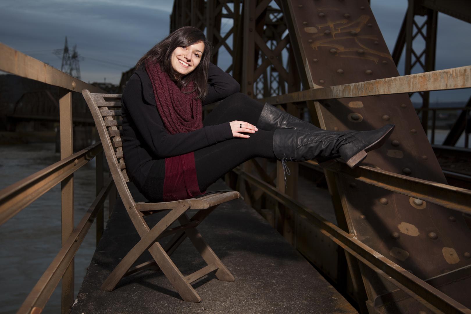 Claudi auf der Brücke . . .