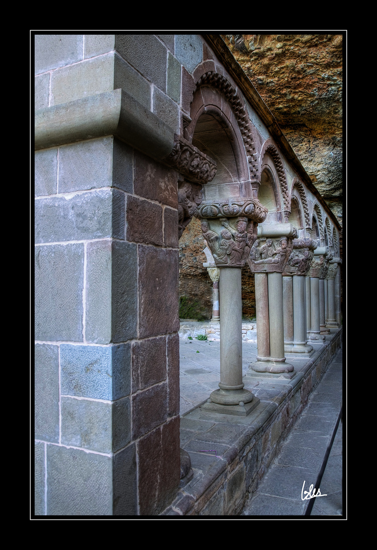 Claustro del Monasterio viejo de San Juan de la Peña (Huesca) II