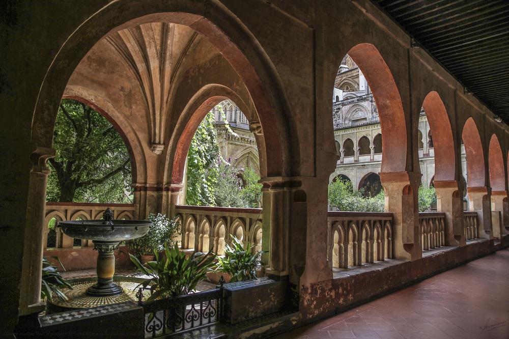 Claustro mudejar Real Monasterio de Santa Maria de Guadalupe (Cáceres Extremadura España)