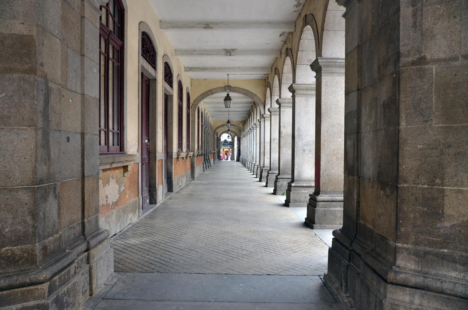 Claustros da Rua do Castelo - BRAGA