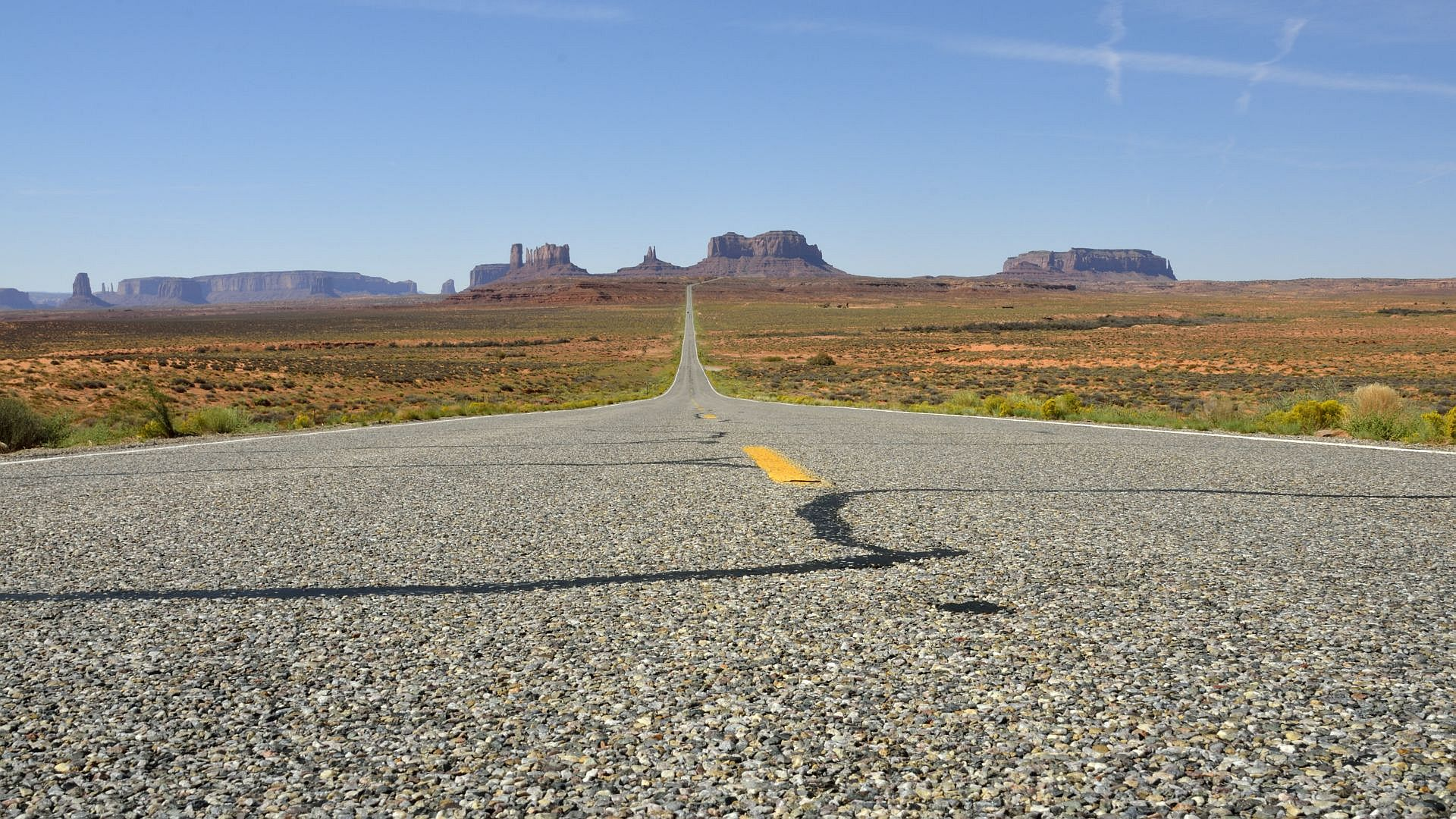 Close Road To Monument Valley (09.2013)