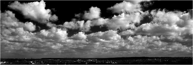 clouds b/w