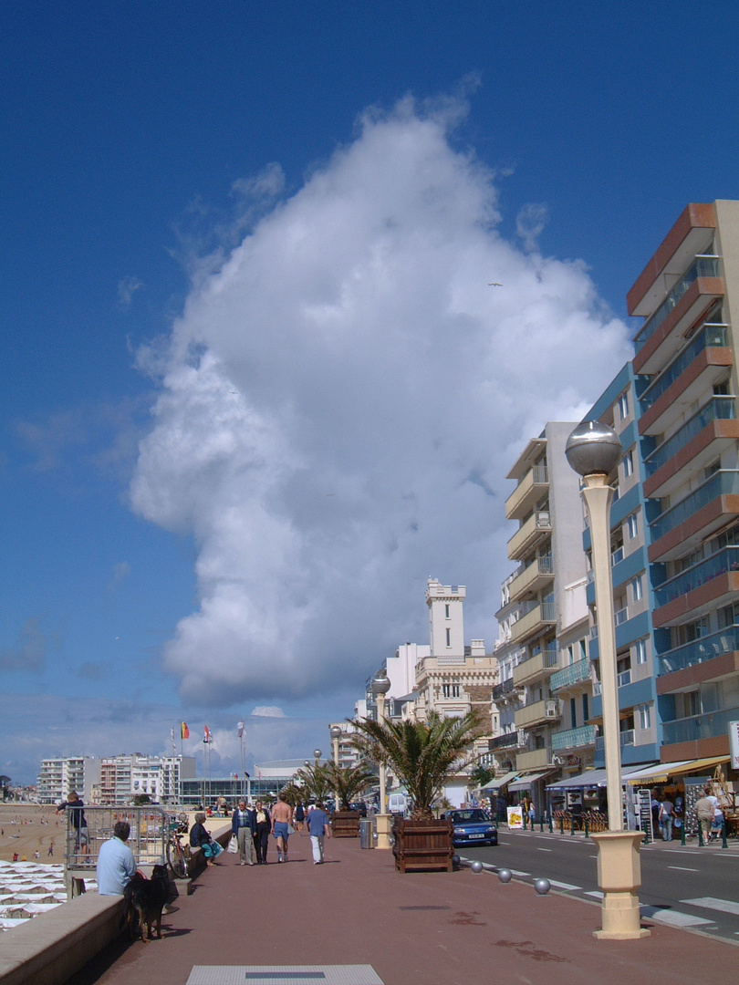 Clouds looking like an Indian Head, Les Sables d'Olonne