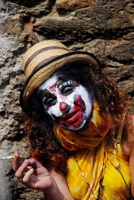 clown à la clope