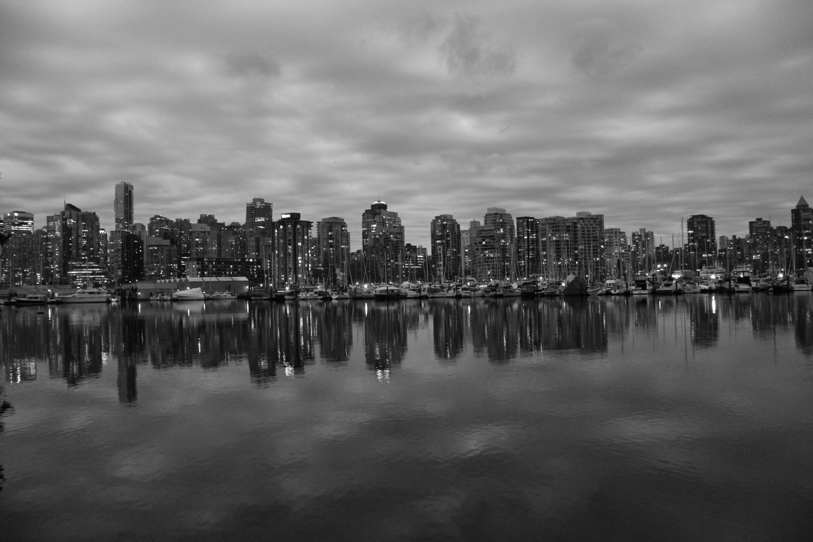 Coal Harbour @ night - Vancouver, BC, Canada