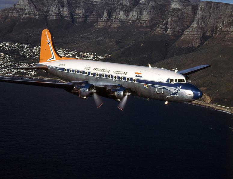 Coastal flight mit der DC 4