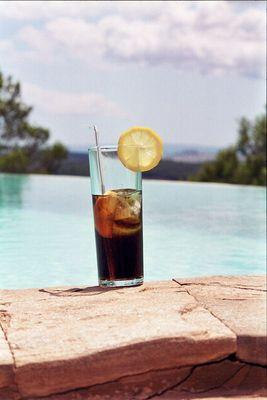 Coca-Cola am Pool