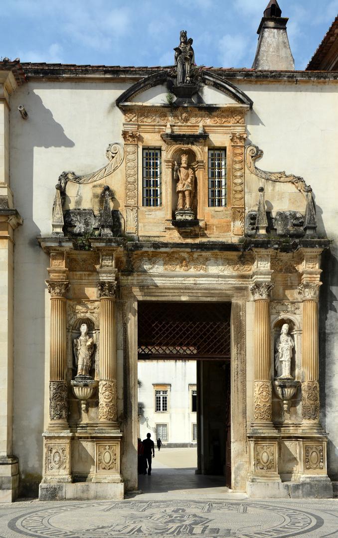 Coimbra Eingang zur Universität