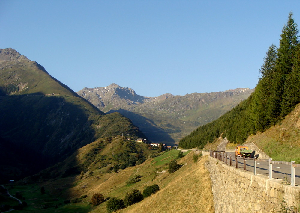 Col d'Oberalp / De bonne heure..01