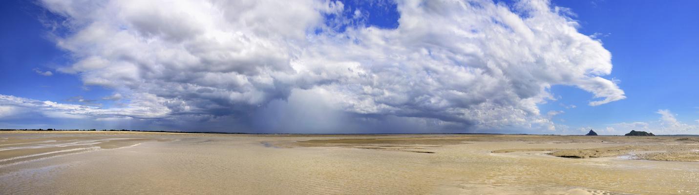 Colère nuageuse sur la baie du Mont Saint-Michel