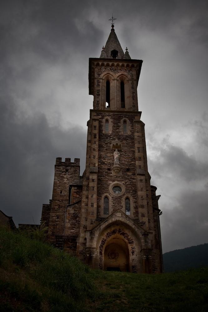Collégiale de Bédouès (Tarn)