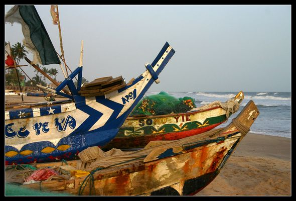 ... Colorful Boats, Kokrobite, Ghana ...