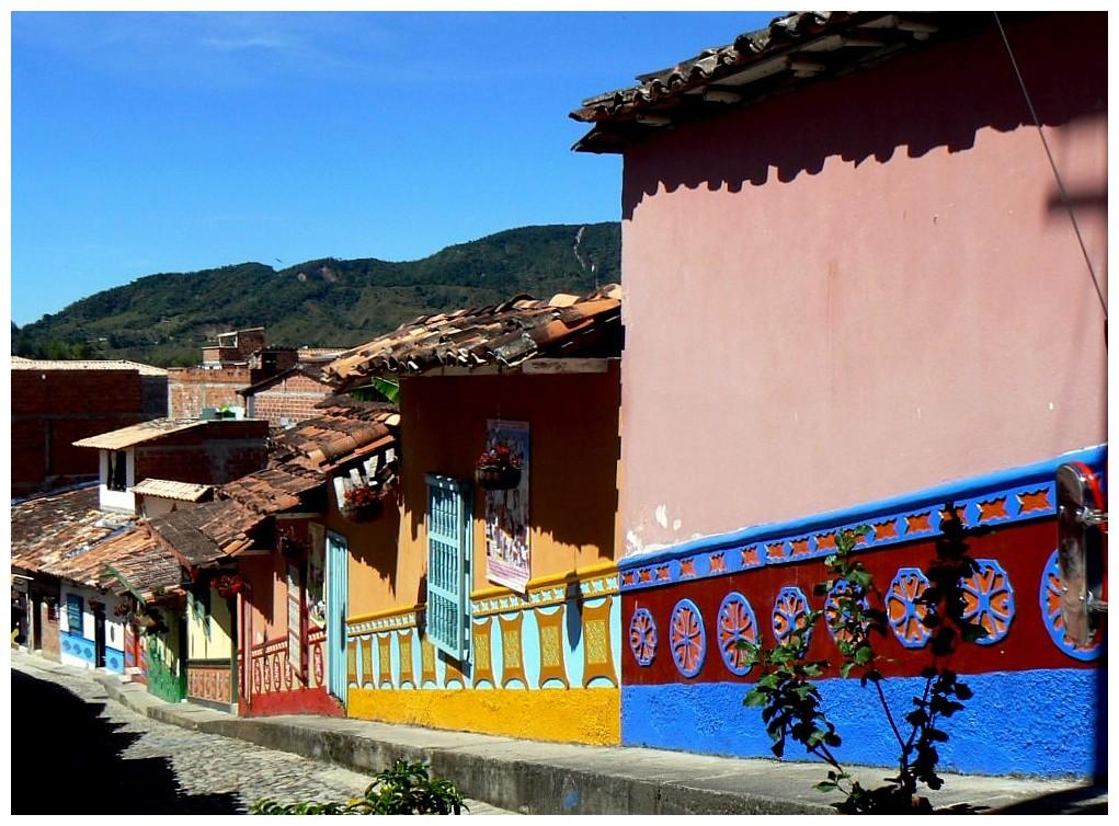 Colorfull streets in Quatapé.