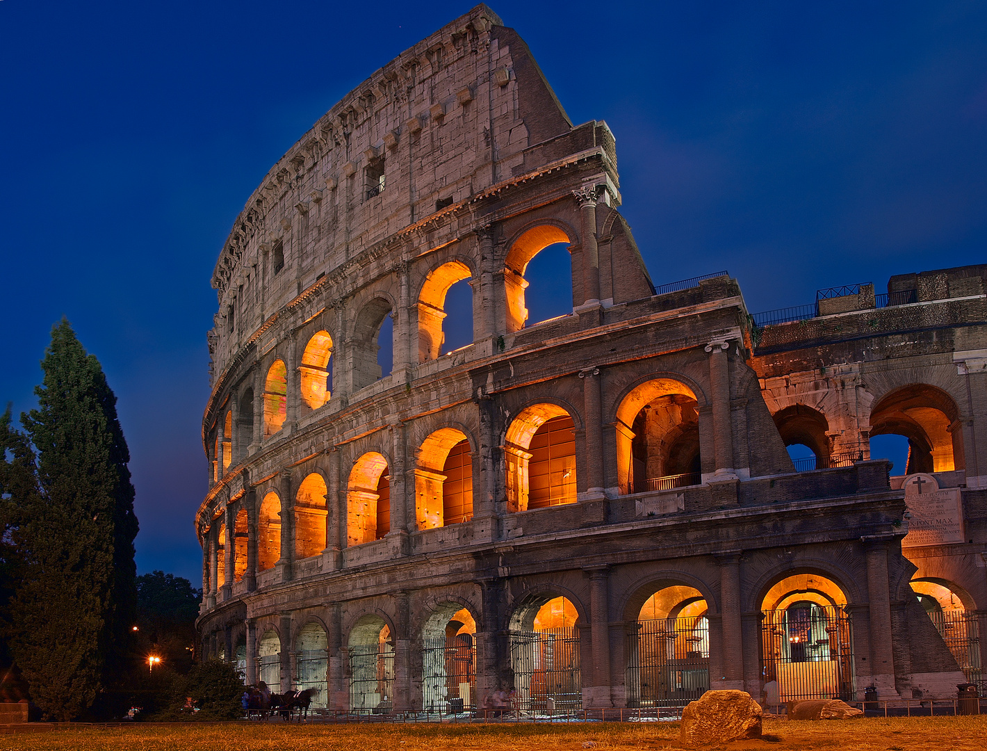 Colosseum by night #1