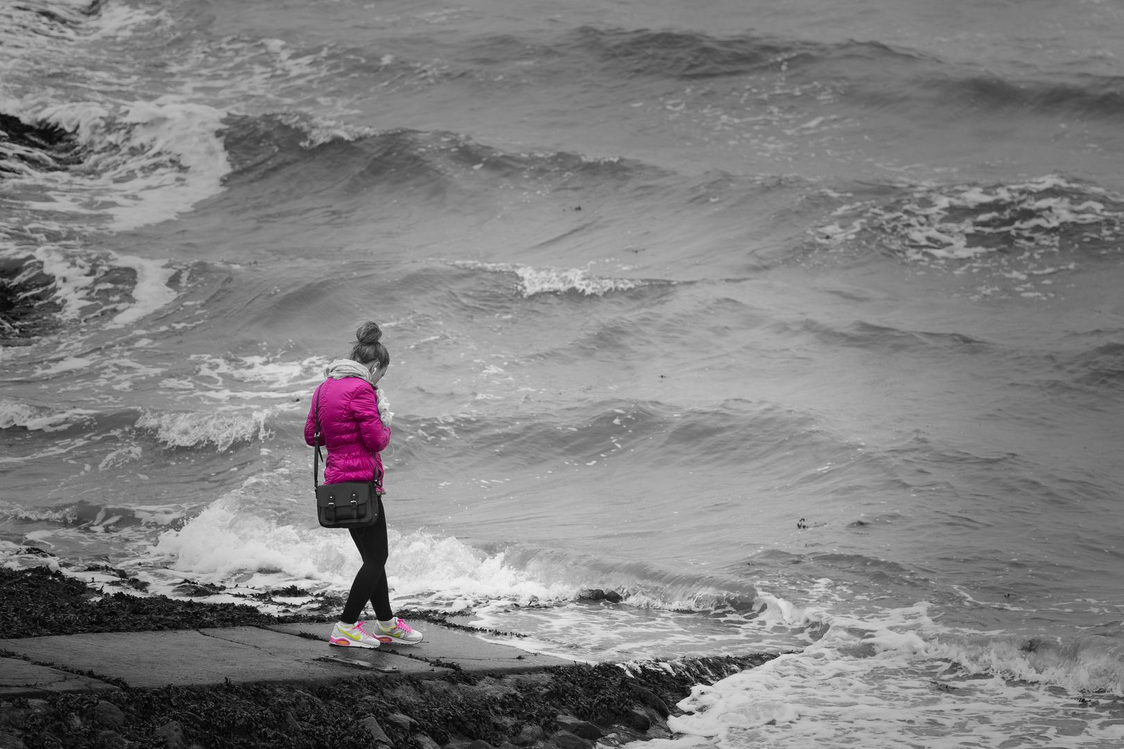Colour into the sea