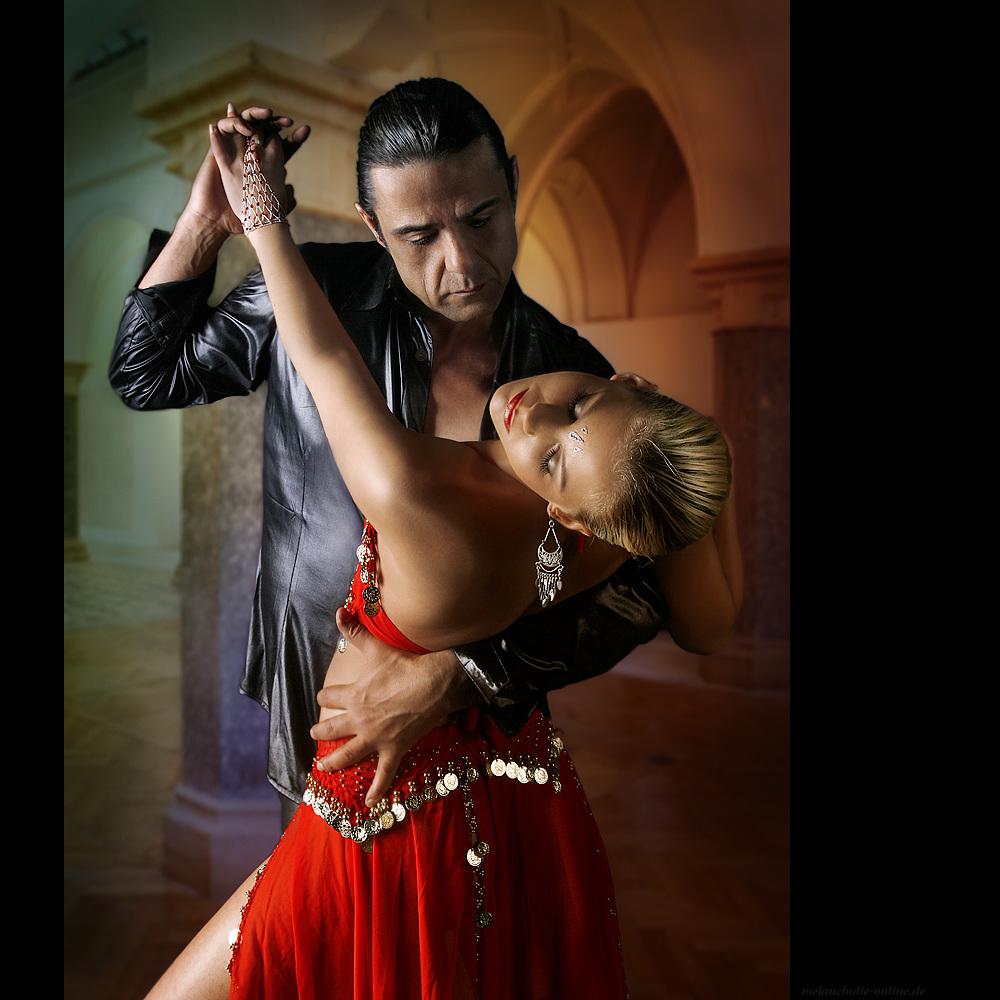 COLOURFUL DANCE