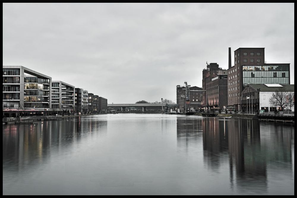 Colours of Duisburg 27 - Wenn es dämmert...