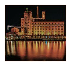 Colours of Duisburg 43 - Nah am Wasser