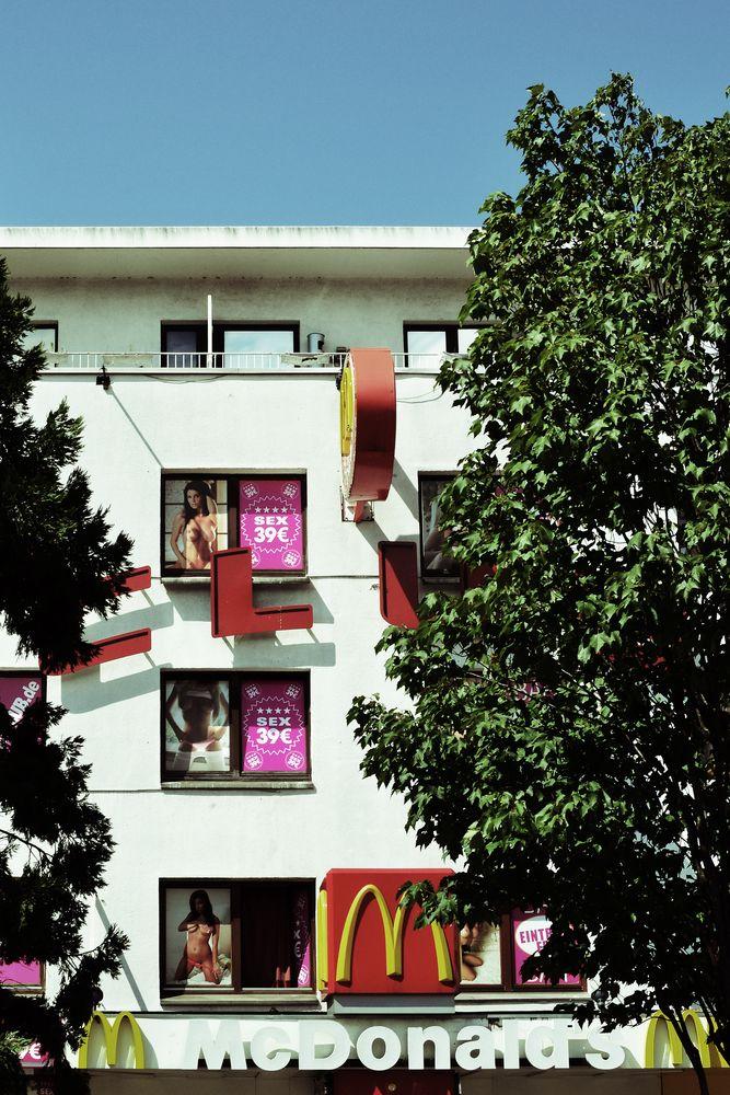 Colours of St. Pauli 11 - Sex 39 €