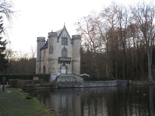 Comelle, le chateau de la reine Blanche