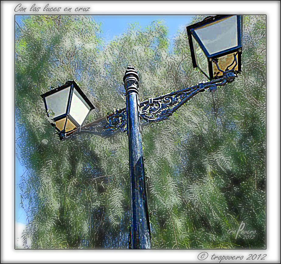 Con las luces en cruz, versión 2
