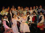 con los amables integrantes del ballet folklorico nacional Argentina