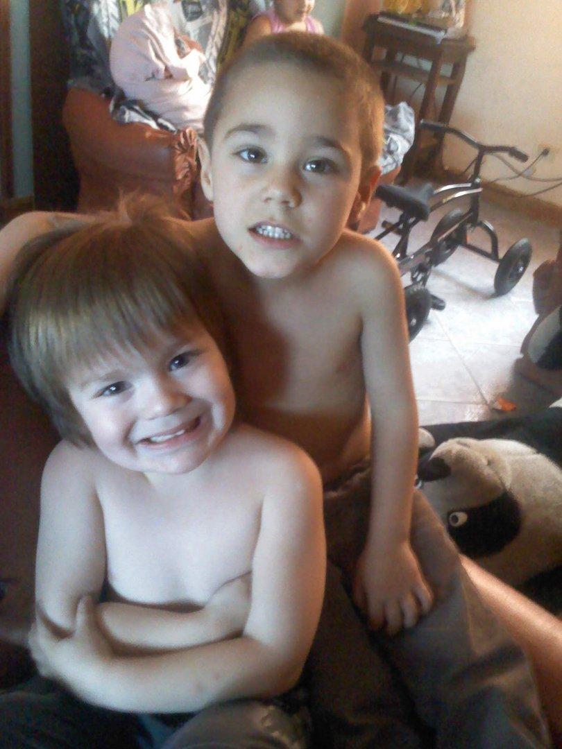 con su sobrino rodrigo mi nieto
