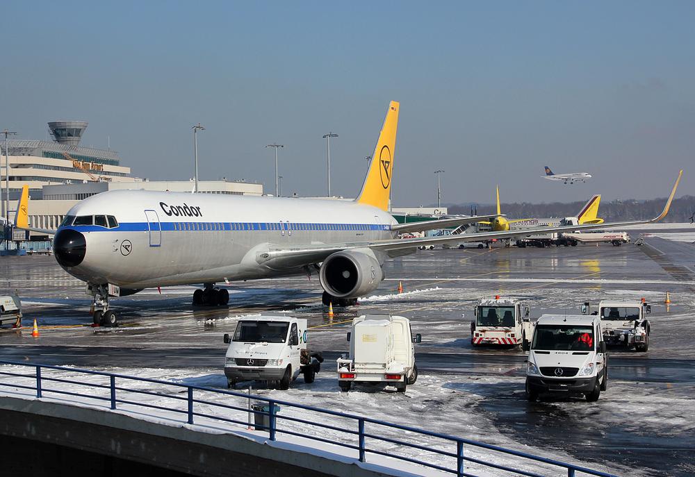 """Condor Boeing 767-31B(ER) D-ABUM """"Achim"""" #2"""