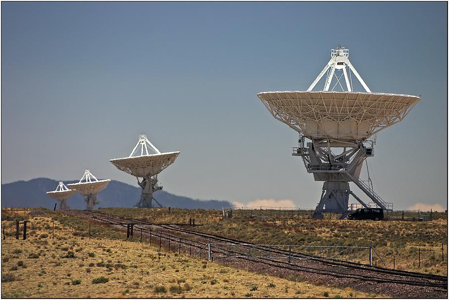 Contact ? - > VLA - Very Large Array