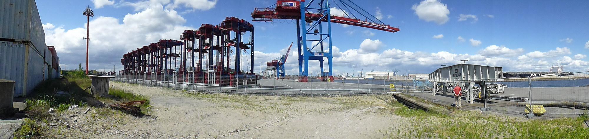 Container-Terminal Tollerort. 2012