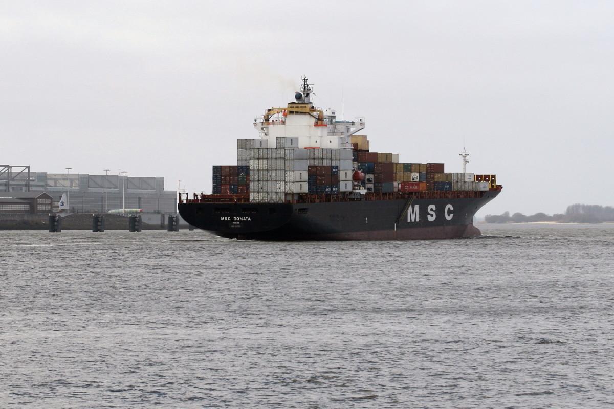 Containerschiff in Teufelsbrück Hamburg II