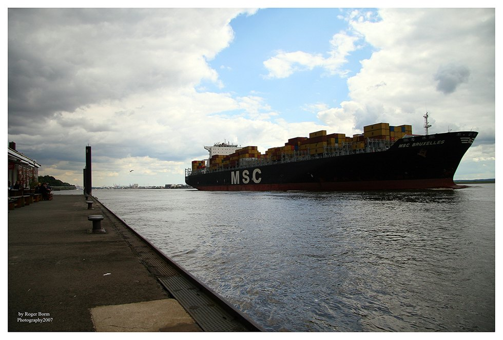 Containerschiff MSC Bruxelles
