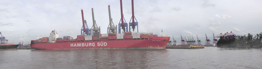 Containership Hamburg Süd