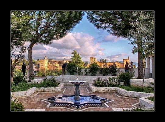 Contemplando la Alhambra..