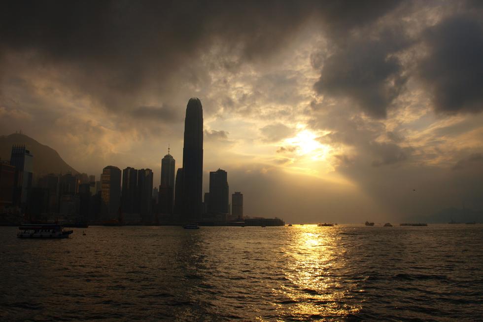 Contre jour sur la baie de Hong-Kong
