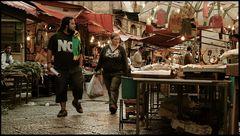 ... coppia NO al mercato del Capo ...