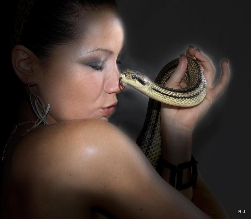 Corine & le serpent 1