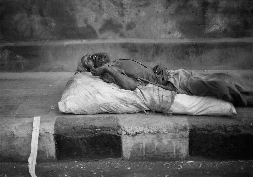 Corpse on New Dehli's street