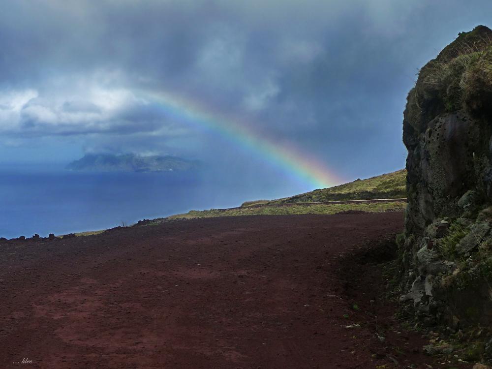 Corvo unter'm Regenbogen