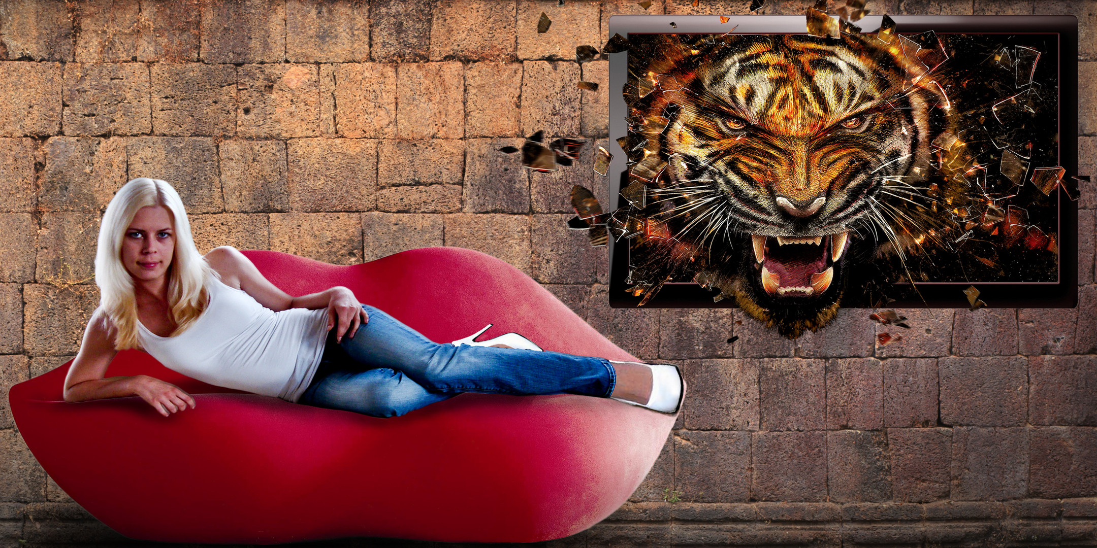 Couch-Tiger