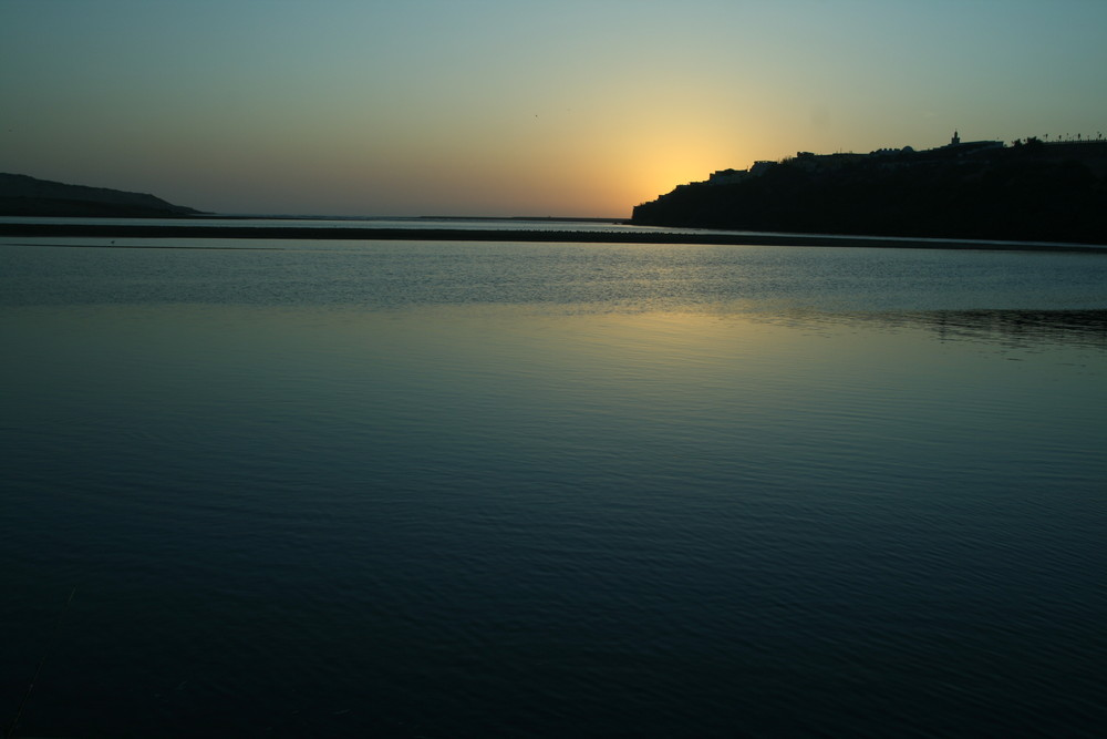 Couchant sur lagune