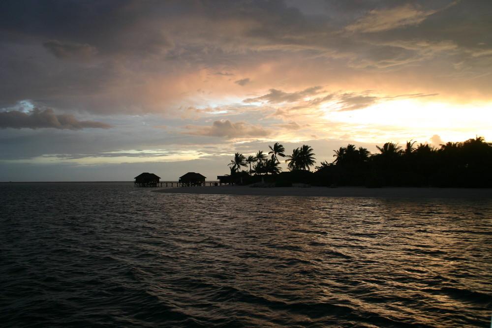 couché de soleil au Maldives